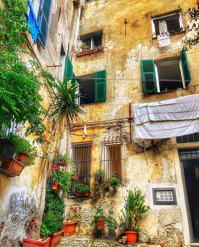 из уличките на Генуа