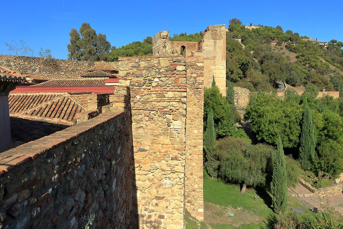 Замък Алказаба