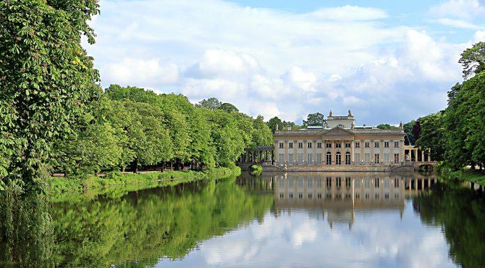 Варшава: дворцов комплекс Лаженки