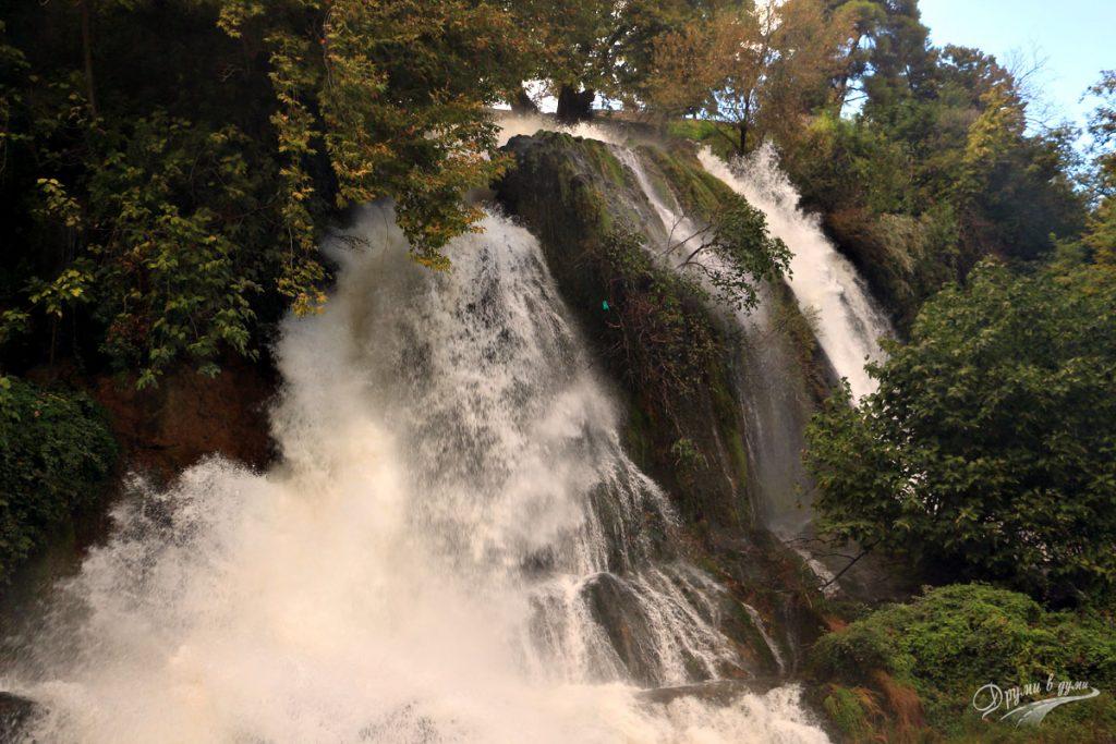 Едеса: долният водопад