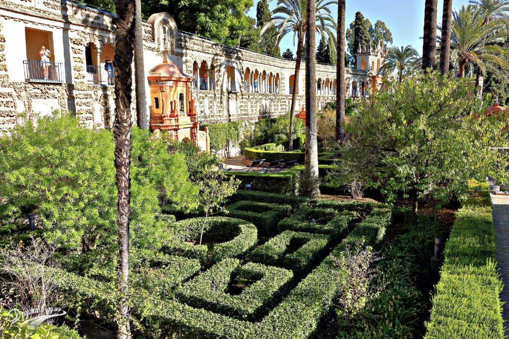 В градините на  двореца Алказар