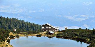 В Пирин: хижа Безбог и езерото