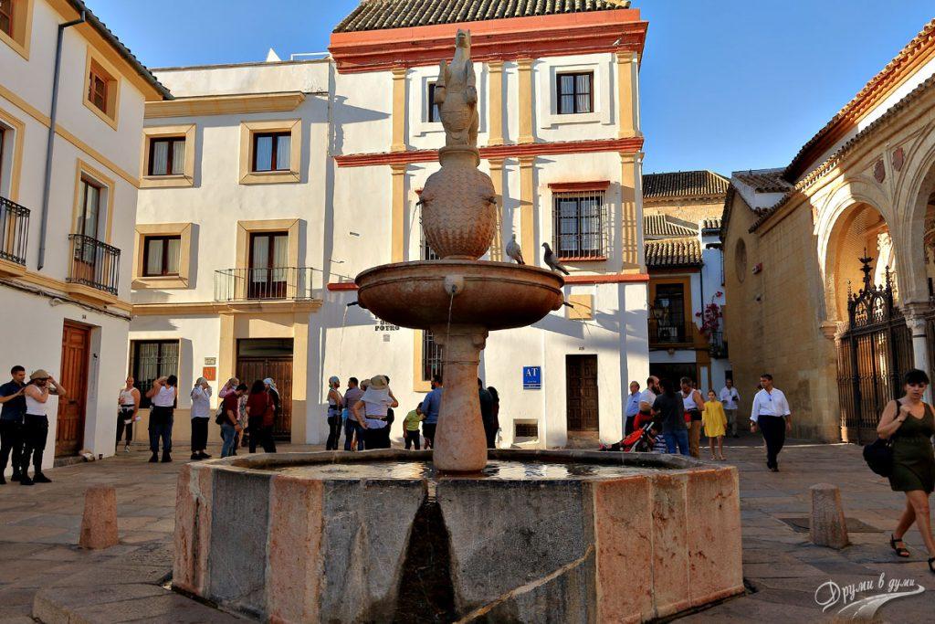 Площад Порто в Кордоба, Испания