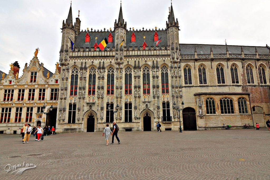 Площад Бург (Burg)
