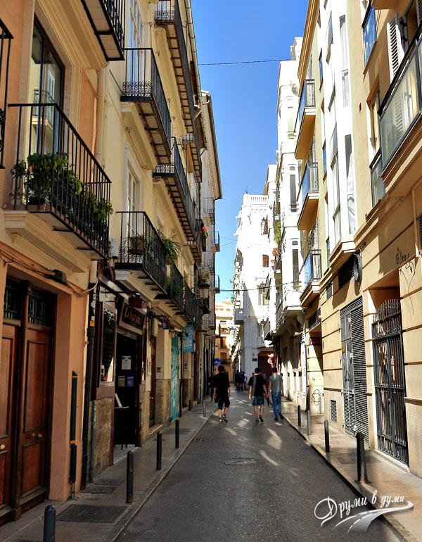 По централните улици на Валенсия