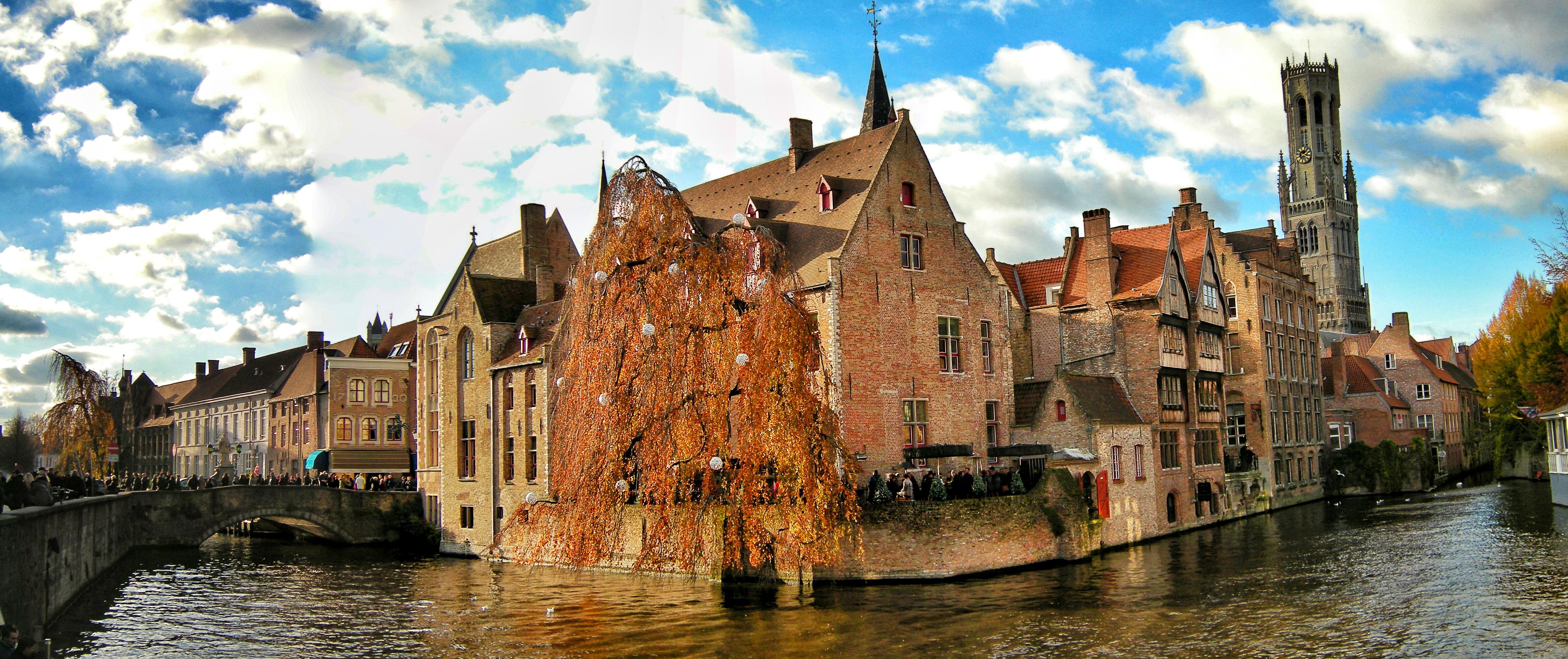 Bruges-Brugge-Rozenhoedkaai[1]
