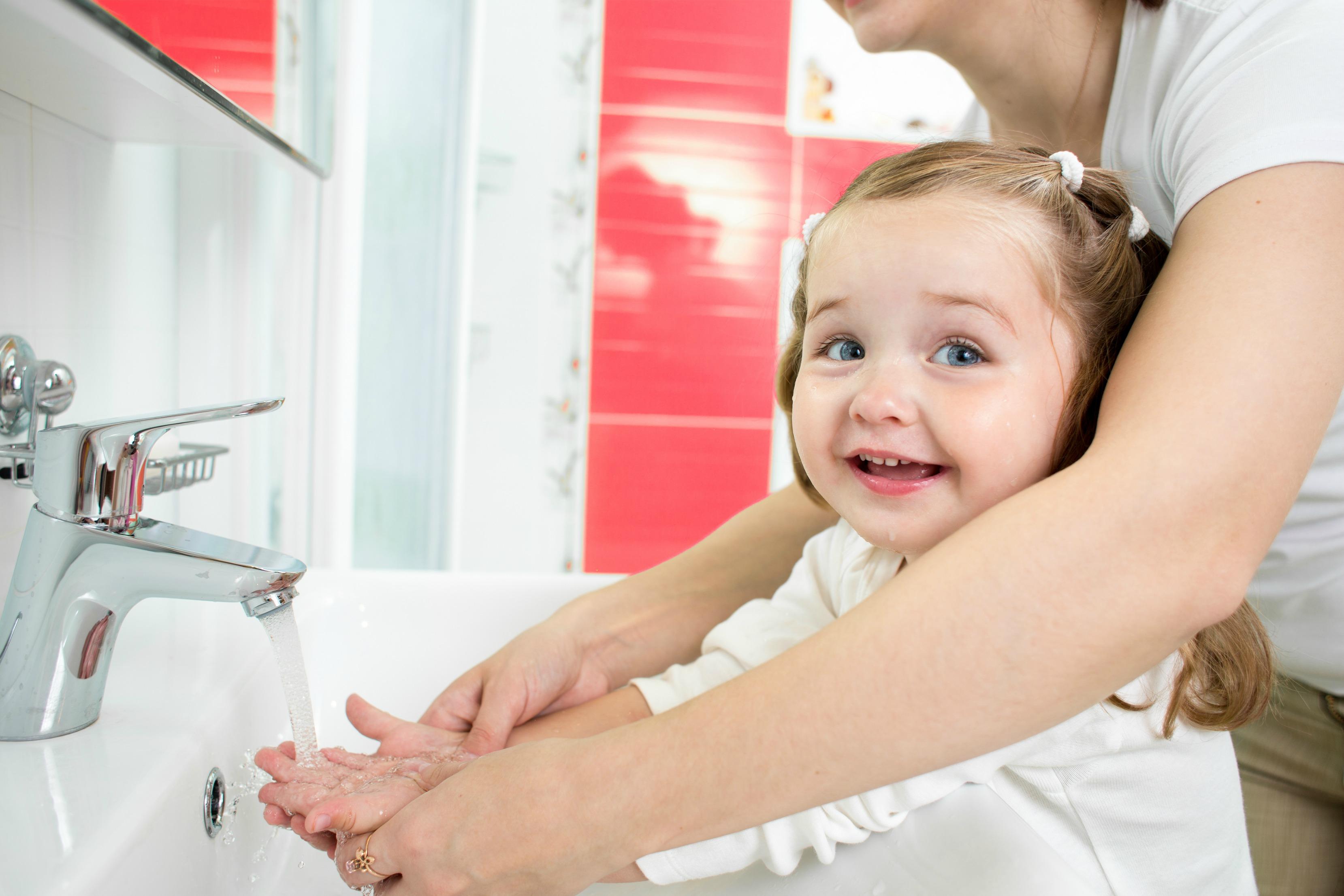 Миене на ръцете преди хранене