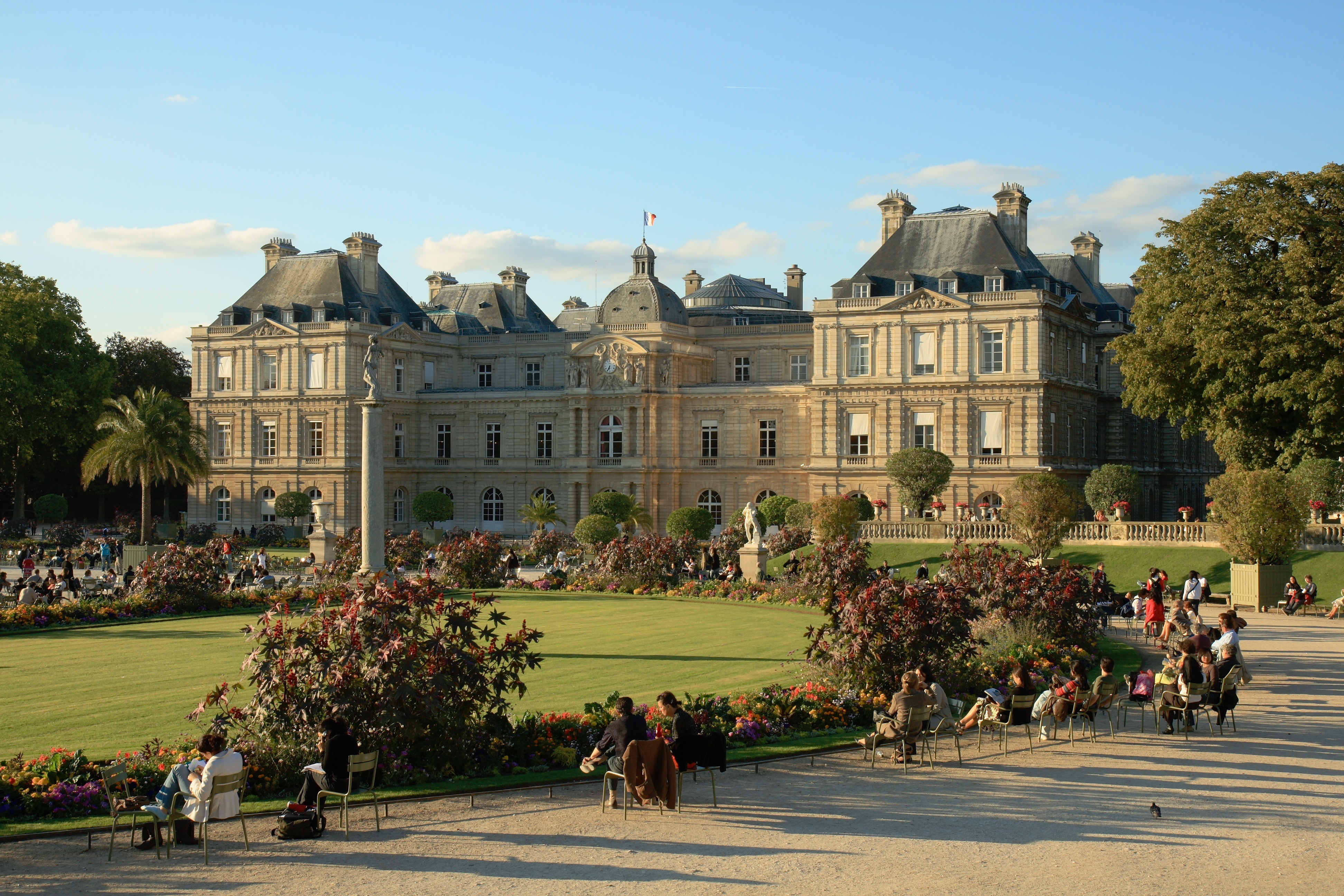 Люксембургския дворец в Париж | Loyal Travel Blog