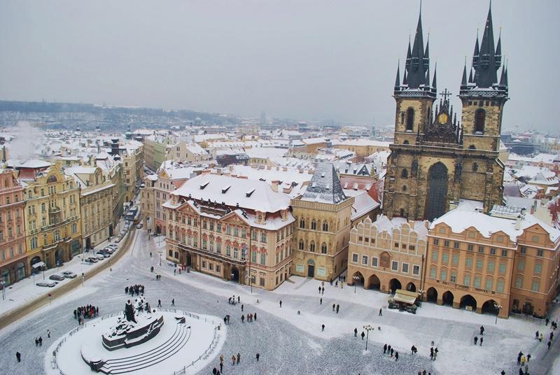 Прага през зимата отвисоко