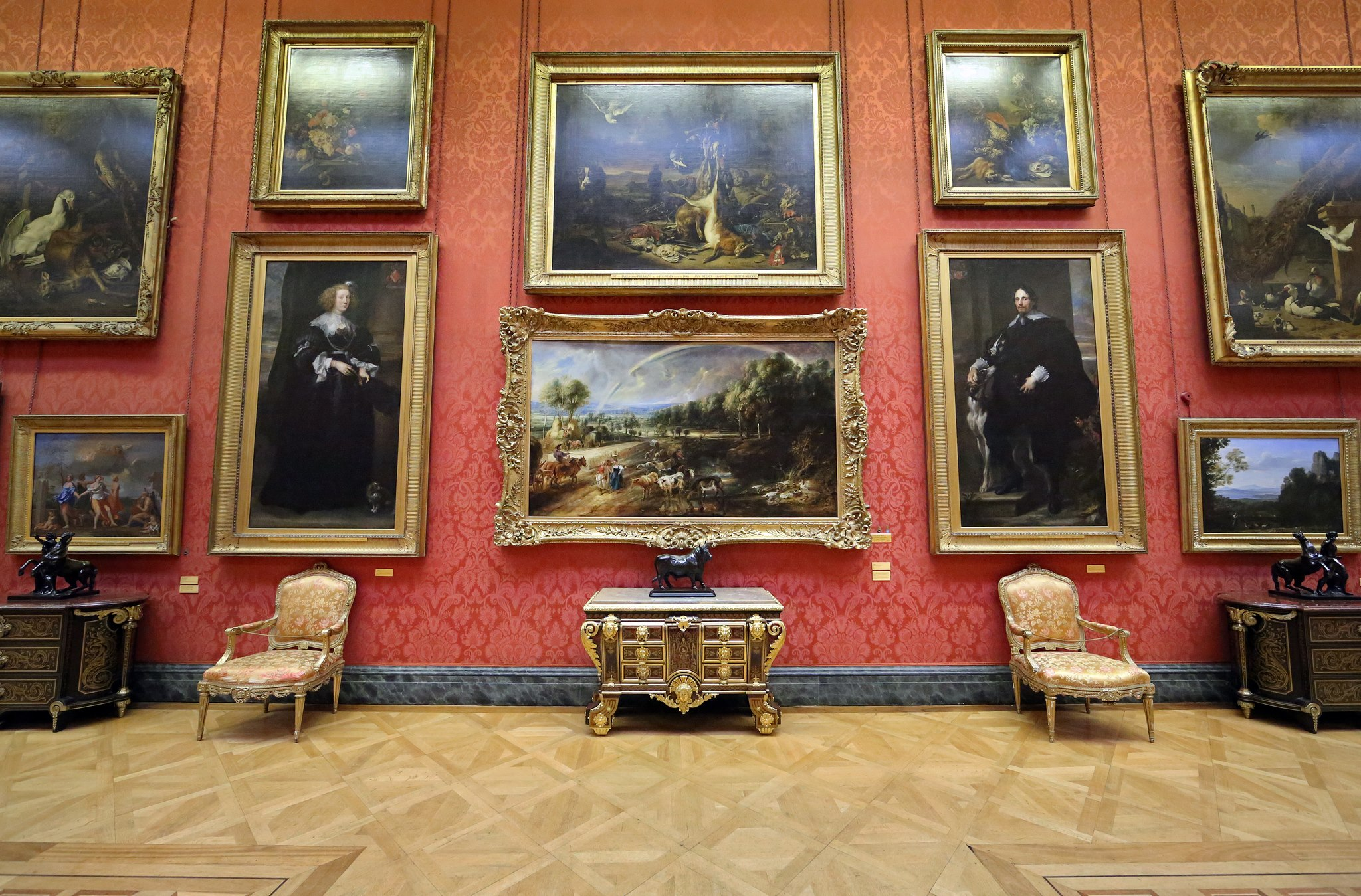 The_Great_Gallery_In_the_Wallace_Collection,_London_in_July_2012[1]