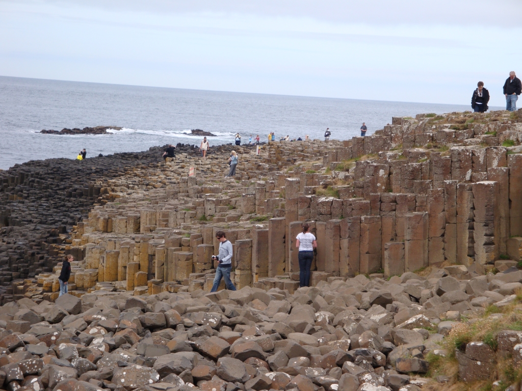 nothern_ireland-county_antrim-giants_causeway_16[1]